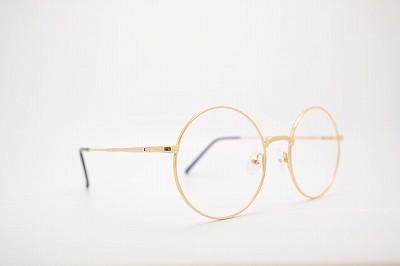 メガネ レンズ ガラス